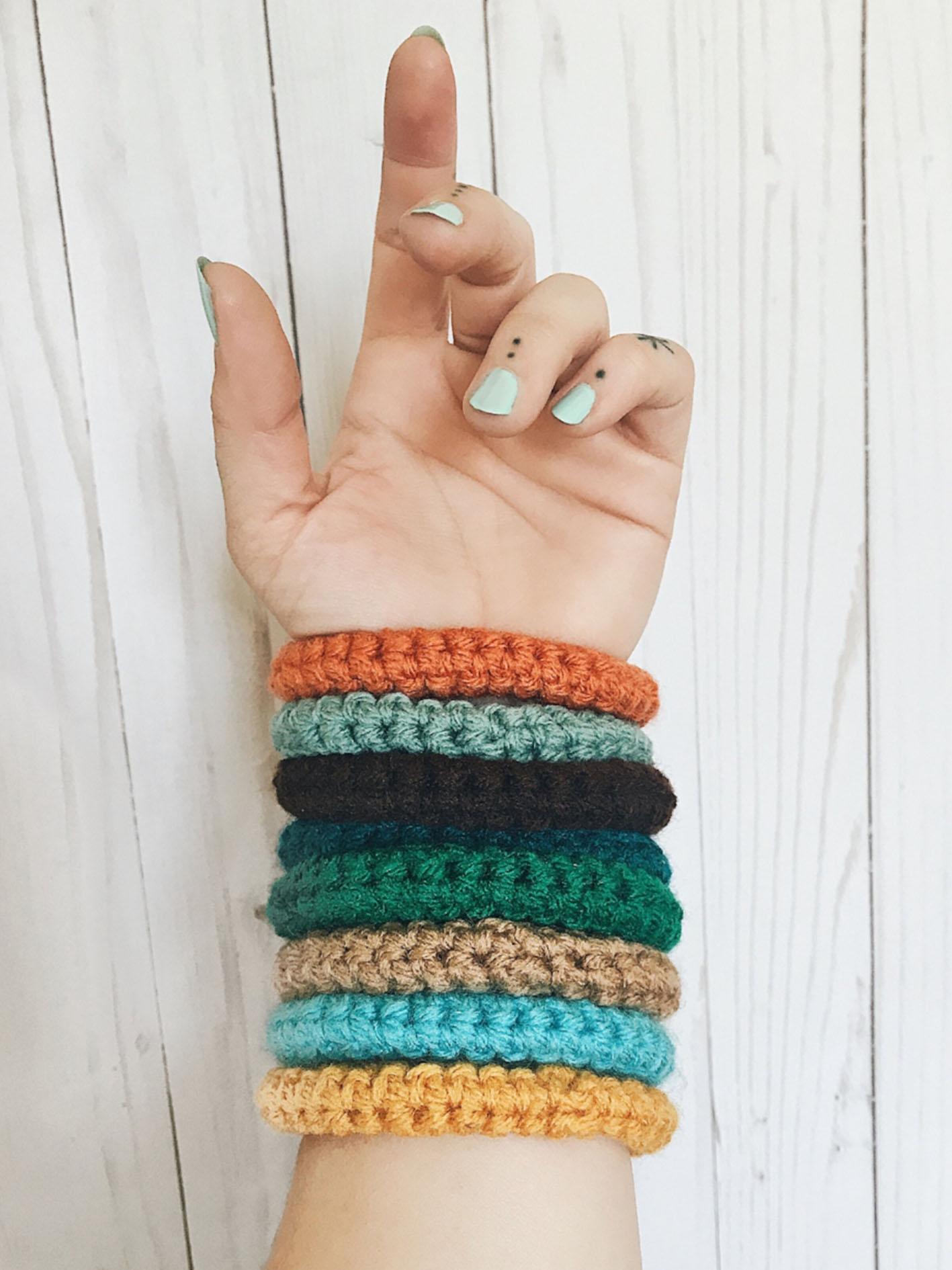 35-free-gift-to-friend-crochet-bracelets-new-2019